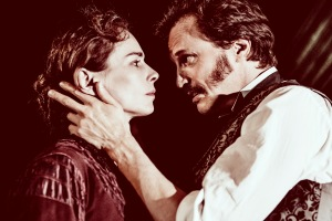 Tara Fitzgerald as Bella Manningham Jonathan Firth as Jack Manningham in Gaslight. Photography by Idil Sukan/Draw HQ